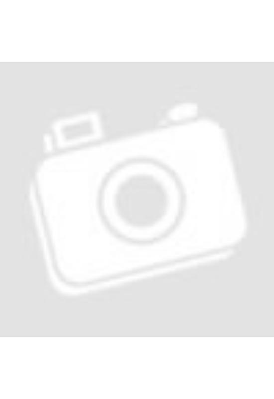 Grillezett camembert salátaágyon áfonyalekvárral